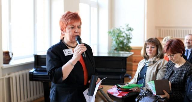 Skolas veido brīvprātīgo tīklu kompetenču pieejas ieviešanai