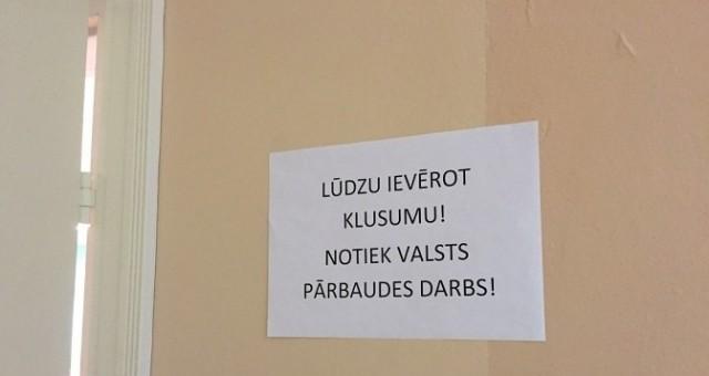 Noplūduši latviešu valodas centralizētā eksāmena domraksta temati